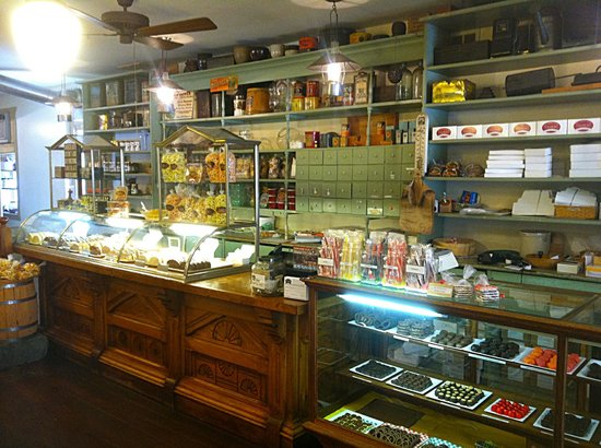 Strasburg Creamery: Fudge display case and service counter
