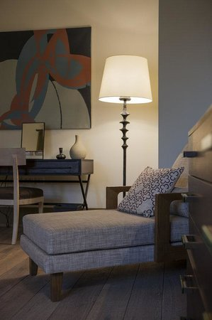 Augustine, a Luxury Collection Hotel, Prague: Deluxe Castle Room