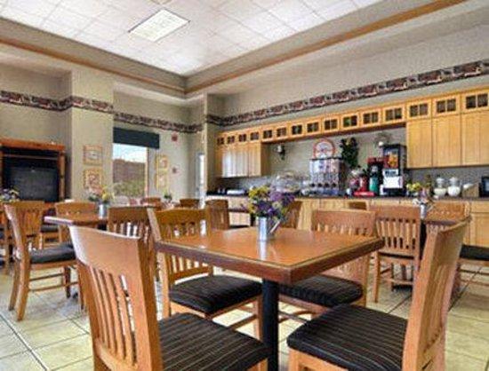 Extend a Suites West Memphis : Breakfast