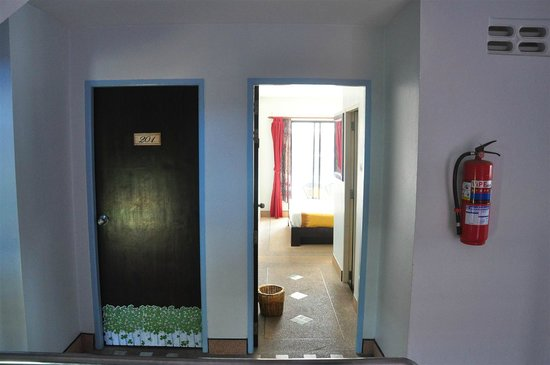 Andaman Legacy Guest House : Room entrance