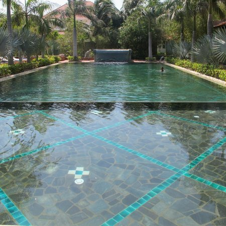 Full Moon Village: pool (warm water)