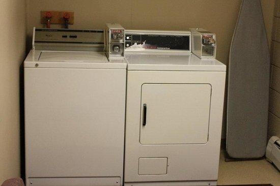 Plains Motel : Coin Laundry Facilities