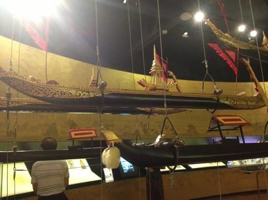 Museum of Siam: เรือ