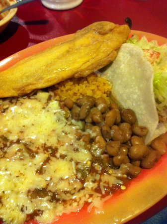 Chope's Bar and Cafe: A combo plate option at Chope's in La Mesa, New Mexico