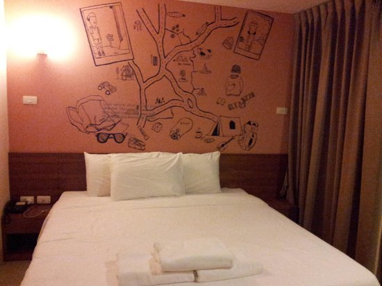 Loft 77 Hotel: Our room