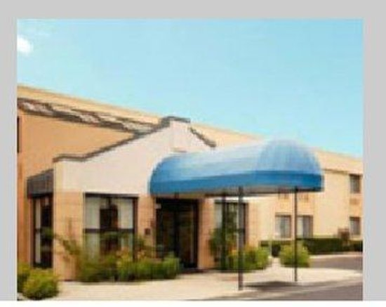 All Seasons Inn & Suites: All Seasons Inn Suites