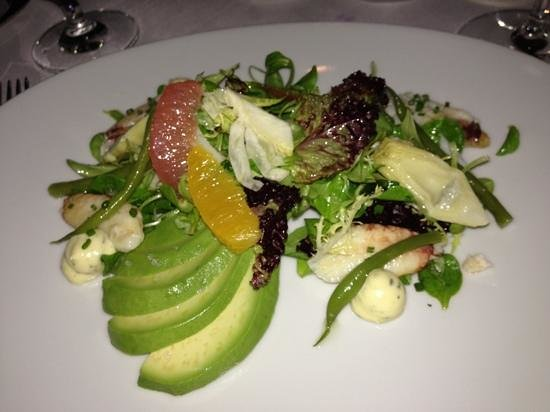 Restaurant Gary Danko: crab salad with avocado - yum!