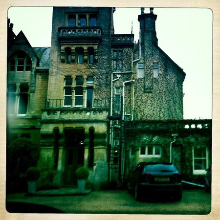 Rudloe Arms: hipstamatic pic of hotel on a rainy day