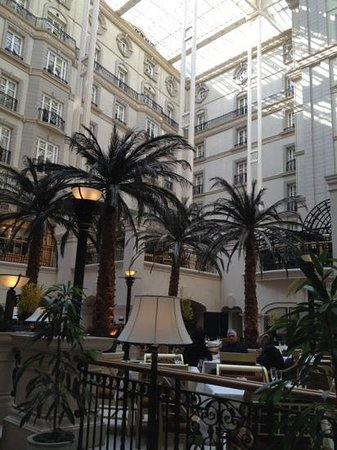 The Landmark London: the winter garden