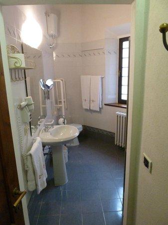Salvadonica - Borgo Agrituristico del Chianti: Bathroom