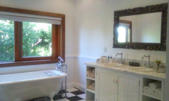 Dune Ridge Country House: Bathroom