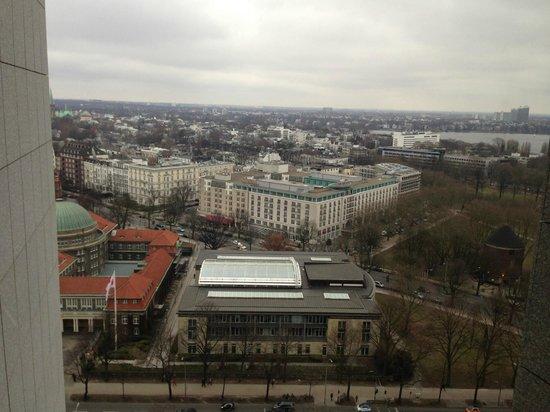 Radisson Blu Hotel, Hamburg: The gorgeous view from the window