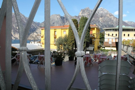 Hotel Benaco: the window is overlooking the terrace (of another hotel?), during high season can be noisy