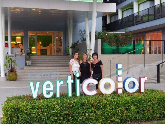 Samui Verticolor: hotel entrence