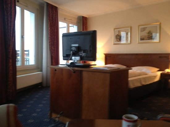 Ramada Plaza Berlin City Centre Hotel and Suites: Zimmer Business class