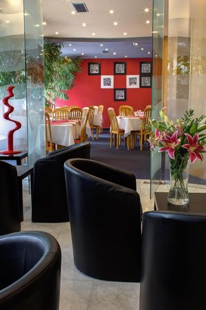 Luxury Family Hotel Bila Labut: Hotel Lobby