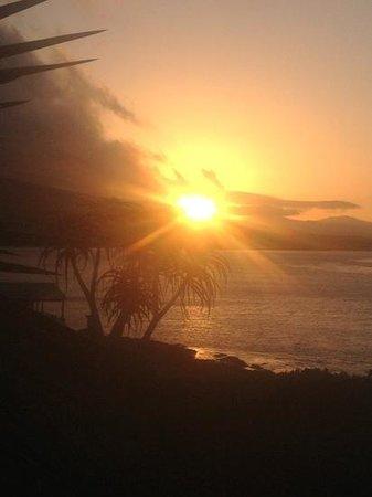 Mudlark River Front Lodge: sunset