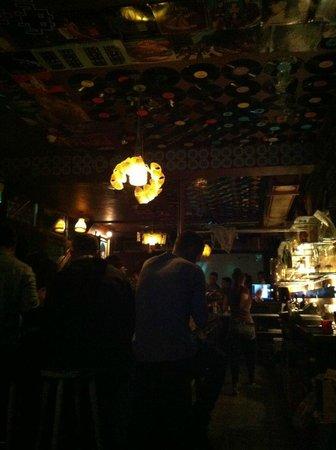 ذا سيركس هوستل: In the basement of the Circus - Goldman's bar