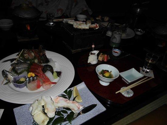 Hotel Miyabi: お刺身,焼きガ二、鍋、釜めし、デザート、その他…
