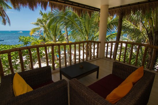 Ocean Vida Beach & Dive Resort: Second floor balcony