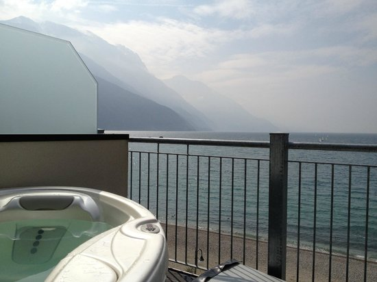 Hotel Baia Azzurra: Terrasse der Suite