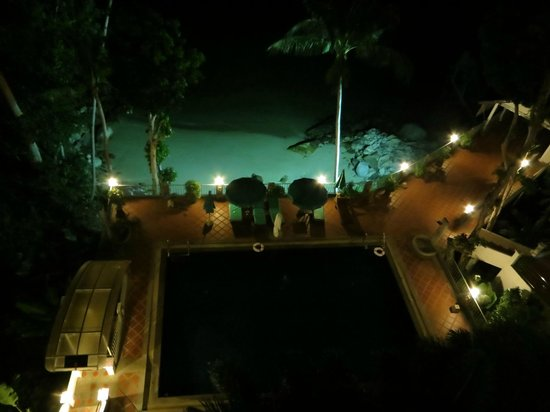 Blue Ocean Beach Resort : Night view