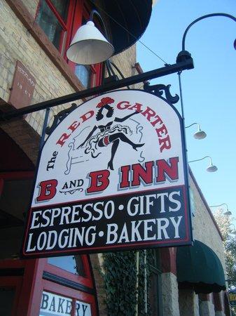 Red Garter Inn: Signage