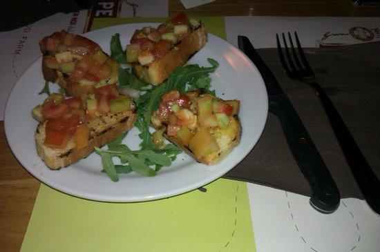 Bruschette buonissime picture of il tocco acireale for Pizzeria il tocco