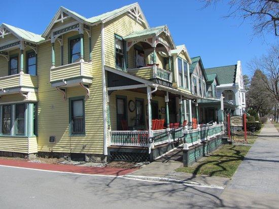 The Brunswick at Saratoga: Inviting