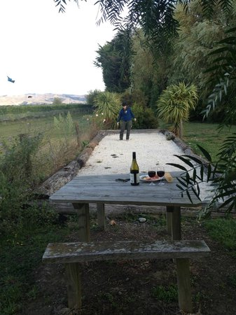 St Leonards Vineyard Cottages: Petanque