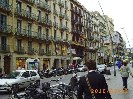 Lleo Hotel: Hotellet