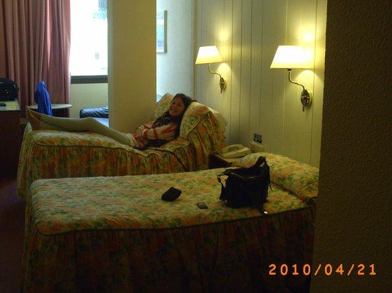 Lleo Hotel: Værelse