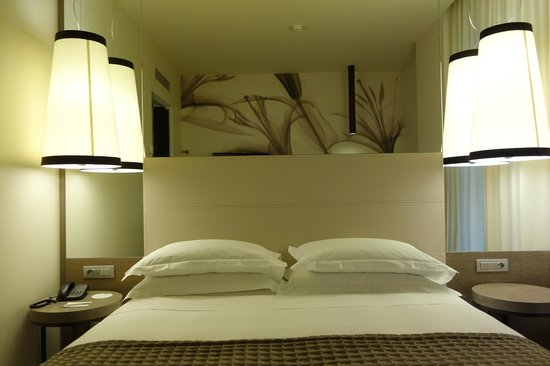 Starhotels E.c.ho.: Deluxe room - comfy bed