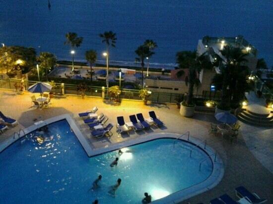 Barcelo Salinas: piscina notturna