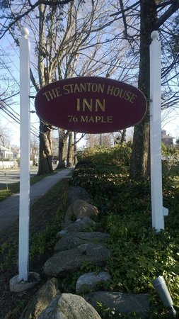 Stanton House Inn: Inn Sign