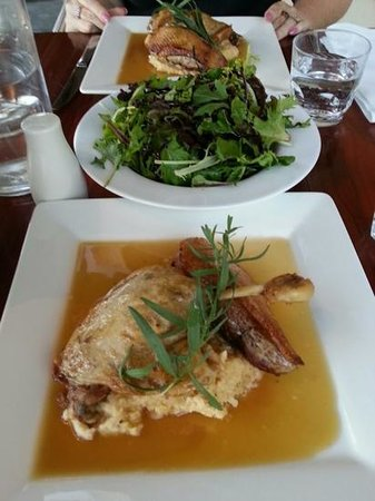 The Court House Cafe: yummy duck for two