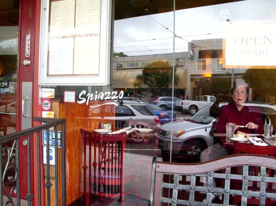 Spiazzo Ristorante : A friendly neighborhood restaurant with its heart in Italy