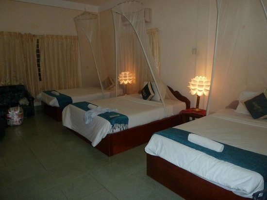 Angkor Friendship Inn: Triple Room