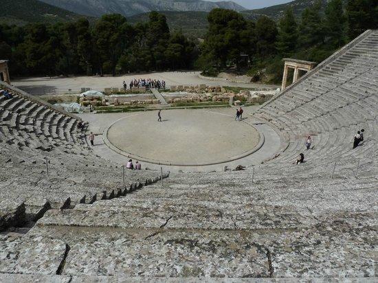Epidaurus Antik Tiyatrosu: theatre épidaure