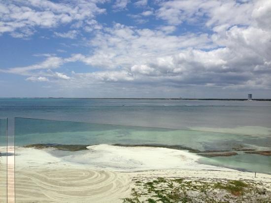 NIZUC Resort and Spa: from 2floor ocean suite in Bermuda bldg