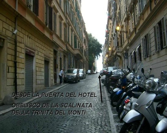 Hotel Suisse: VISTA DESDE LA PUERTA