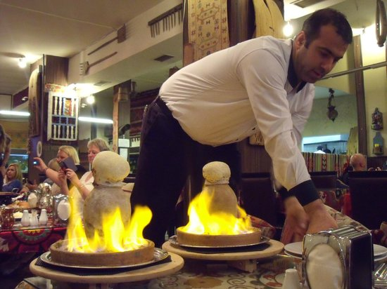 Capadocia Restaurant: Meet cooked in this pot. By my favourite Turk! ;)