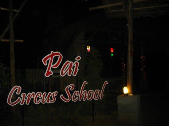 Pai Circus School Resort: the circus school