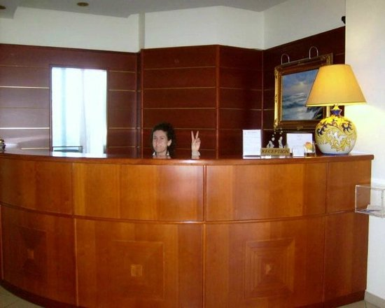 Hotel Olimpico: LOBBY
