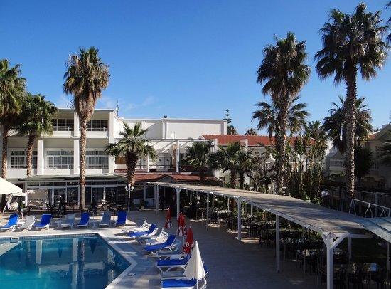 LA Hotel & Resort: Poolbereich
