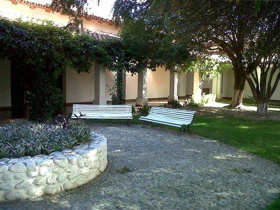 Hosteria Sol del Valle: Vista del Jardín interno