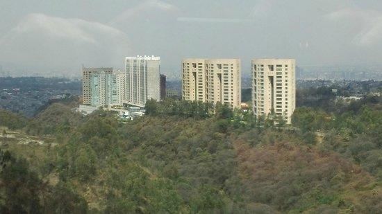The Westin Santa Fe, Mexico City: Vista del valle desde el hotel