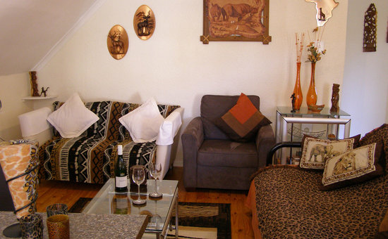Mountain Bay Self Catering Apartments: Living room