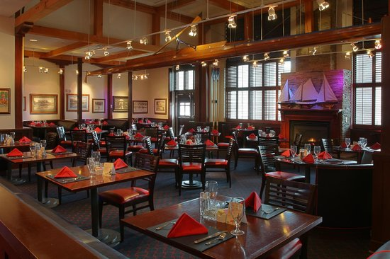 Regatta Bar & Grille main dining area