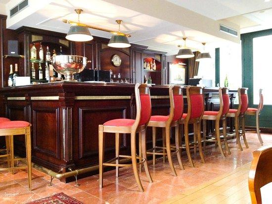 Villa Pantheon : Bar in the Reception / Ground Floor